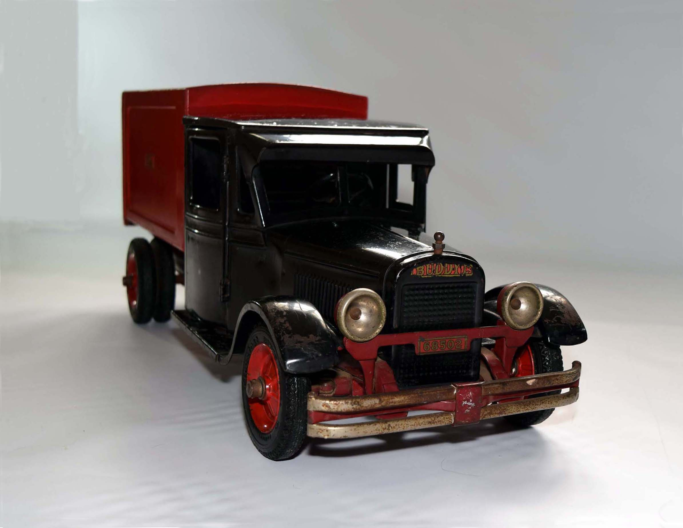 Old fashioned trucks for sale 27